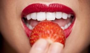 1-450-din-za-lasersko-beljenje-zuba-gelom-i-plavo-zelenom-svetloscu-ne-steti-zubima-ne-iritira-desni-povecava-zastitu-od-karijesa-7596